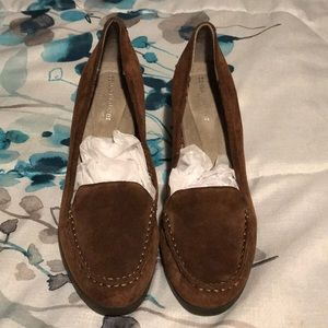 Naturalizer paisley leather wedges